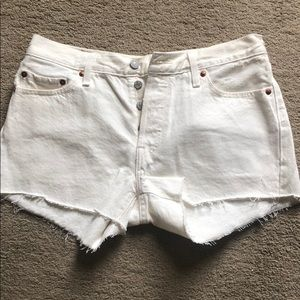 Pants - Levi's shorts